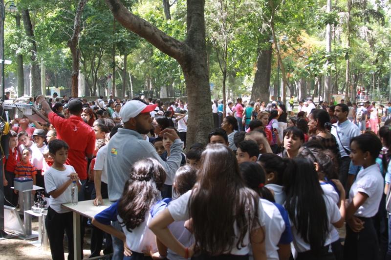 Los escolares plenaron los espacios del Parque Los Caobos. (Foto / Pedro Delgado)