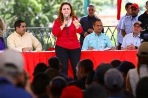 La candidata Iris Varela durante su disertación. (Foto / harrison Ruíz)